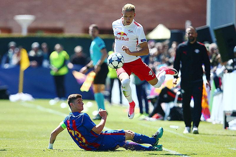 Eric Montes (Barcelona) und Hannes Wolf (Salzburg)