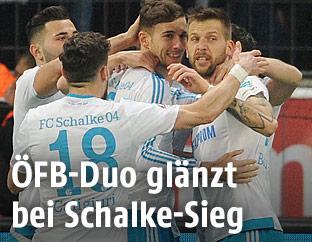 Jubel von Sead Kolasinac, Daniel Caligiuri, Leon Goretzka and Guido Burgstaller (alle Schalke)