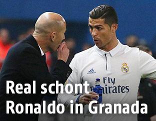 Real-Madrid-Trainer Zinedine Zidane und Cristiano Ronaldo