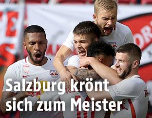 Salzburg-Spieler jubeln