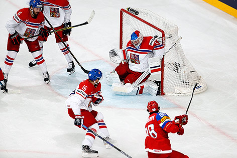 Nikita Kucherov trifft