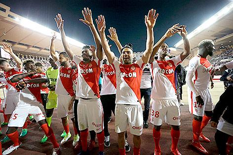 Spielern von Monaco jubeln