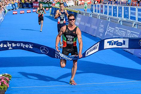 Zieleinlauf des portugiesischen Triathleten Joao Pereira