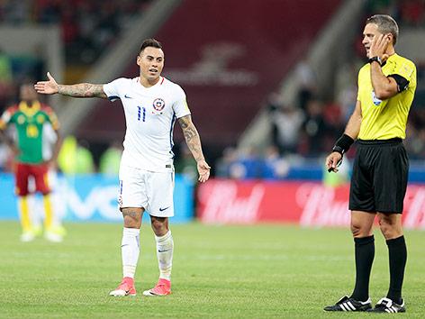 Szene aus dem Match Kamerun gegen Chile