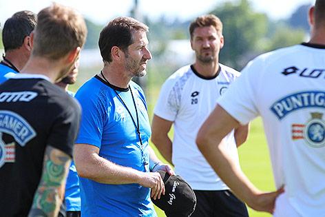 Sturm-Coach Franco Foda mit seiner Mannschaft