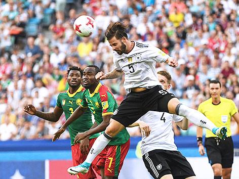 Spielszene zwischen Deutschland und Kamerun