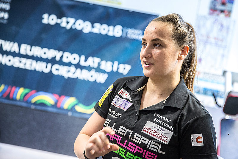 Gewichtheberin Sarah Fischer