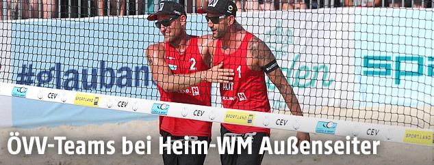Die Beachvolleyballer Alexander Horst und Clemens Doppler