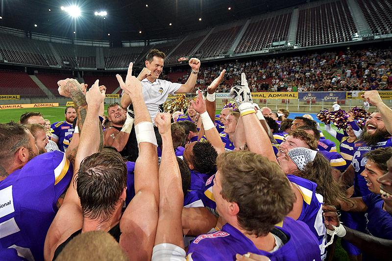 Die Vienna Vikings mit Coach Chris Calaycay