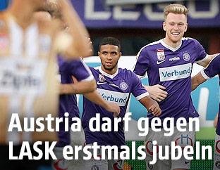 Austria-Spieler jubeln