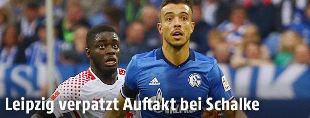Dayot Upamecano (Leipzig) und Franco Di Santo (Schalke)