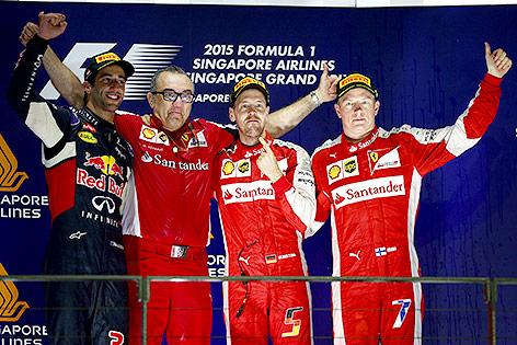 Daniel Ricciardo (Red Bull Racing), Sebastian Vettel Ferrari) und Kimi Raikkoenen (Ferrari)