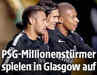 Jubel von Neymar, Edinson Cavanis und Kylian Mbappe (Paris SG)