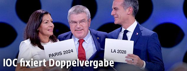Pariser Bürgermeisterin Anne Hidalgo, IOC-Präsident Thomas Bach LA-Bürgermeister Eric Garcetti