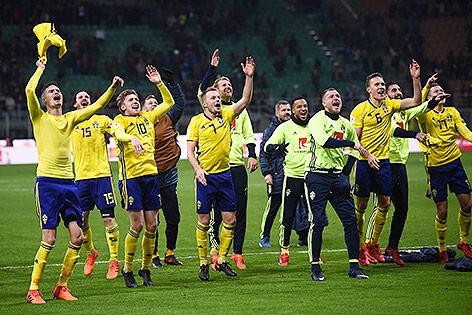 Schwedens Spieler jubeln