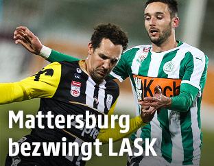 Emanuel Pogatetz (LASK) und Markus Pink (Mattersburg)