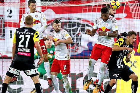 Strafraumszene bei der Bundesliga-Partie Salzburg - LASK