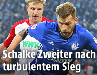 Guido Burgstaller (Schalke) und Martin Hinteregger (Augsburg)