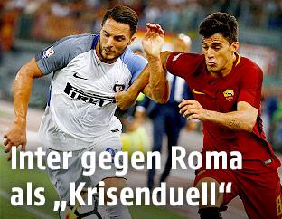 Diego Perotti (Roma) und Danilo D'Ambrosio (Inter)
