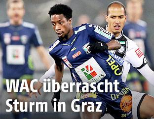 Majeed Ashimeru (WAC) und Fabian Koch (Sturm)