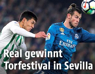 Gareth Bale (Real) und  Aissa Mandi (Sevilla)