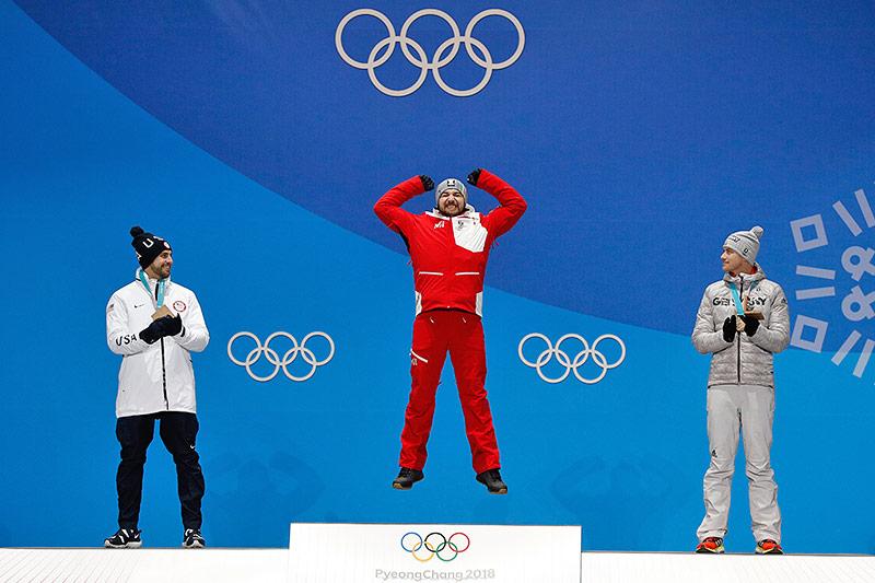 Medaillengewinner Chris Mazdzer, Johannes Ludwig und David Gleirscher