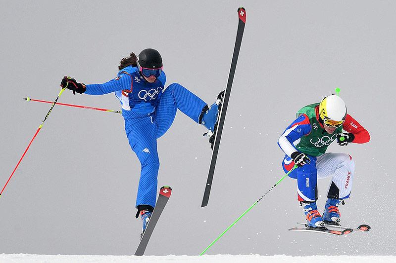 Skicrosserinnen Debora Pixner (ITA) und Alizee Baron (FRA)