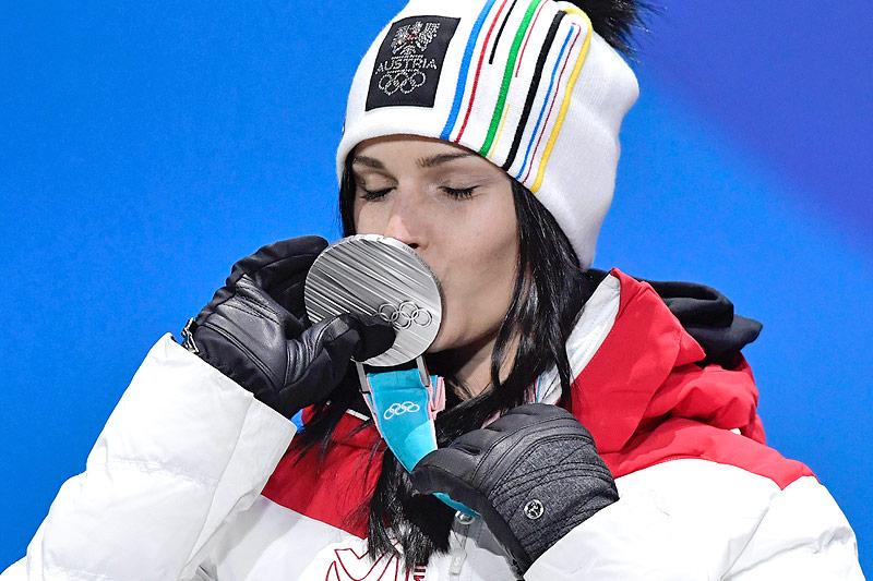 Anna Veith mit Silbermedaille