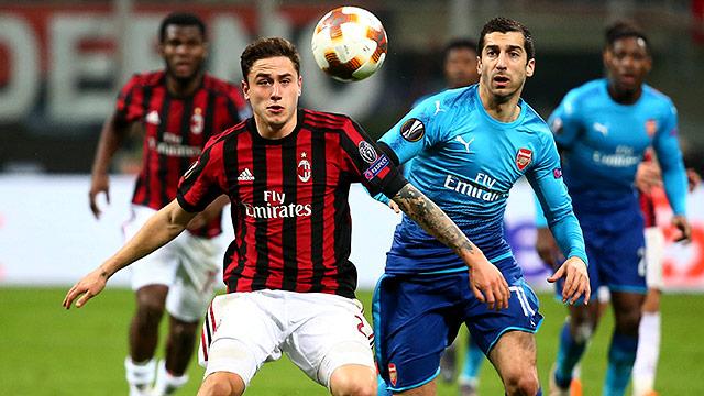 Davide Calabria (AC Milan) und Henrikh Mkhitaryan (Arsenal)