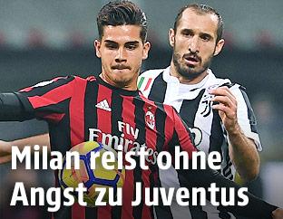 Andre Silva (AC Milan) und Giorgio Chiellini (Juventus)