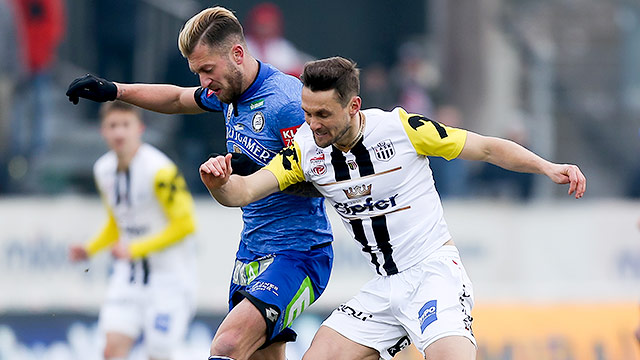Lukas Spendlhofer (Sturm Graz) und James Holland (LASK)