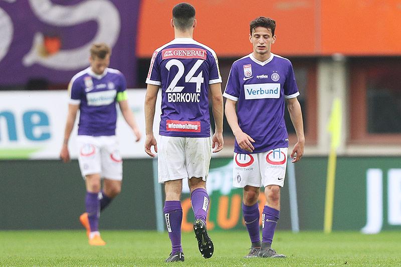 Enttäuschte Austria-Spieler