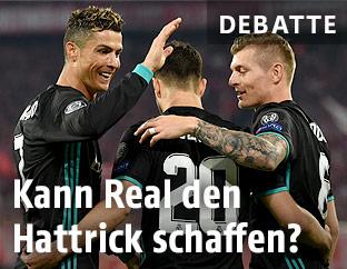 Ronaldo (Real) jubelt mit Mitspielern