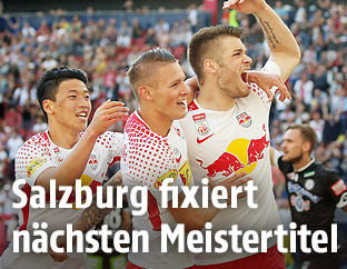 Hannes Wolf, Duje Caleta-Car und Hee Chan Hwang (Red Bull Salzburg)