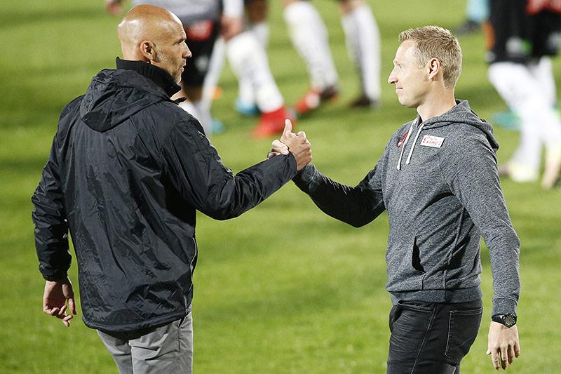 FK Austria Wien-Trainer Thomas Letsch und RZ Pellets WAC-Trainer Robert Ibertsberger