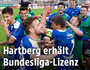 Hartberg-Spieler jubeln
