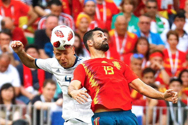 Spielszene zwischen Russland und Spanien