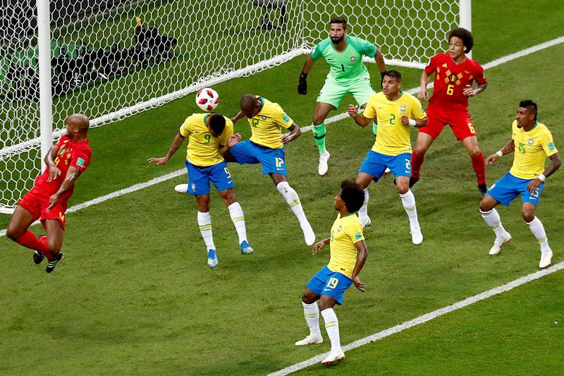 Eigentor von Brasiliens Fernandinho im Match gegen Belgien