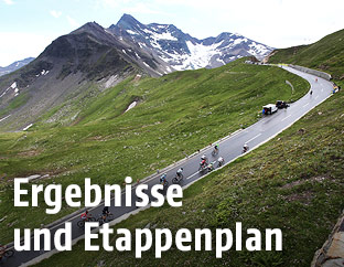 Radfahrer nahe dem Grossglockner bei der Österreich-Rundfahrt
