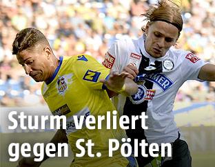 Luan (St. Pölten) und Stefan Hierländer (Sturm)